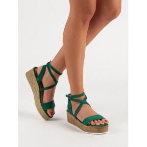 Pohodlné a štýlové dámske sandále v trendy zelenej farbe
