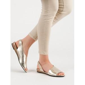Elegantné dámske sandále v zlatej farbe na nízke podrážke