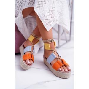 Originálne dámske farebné sandále na platforme s viazaním na šnúrku