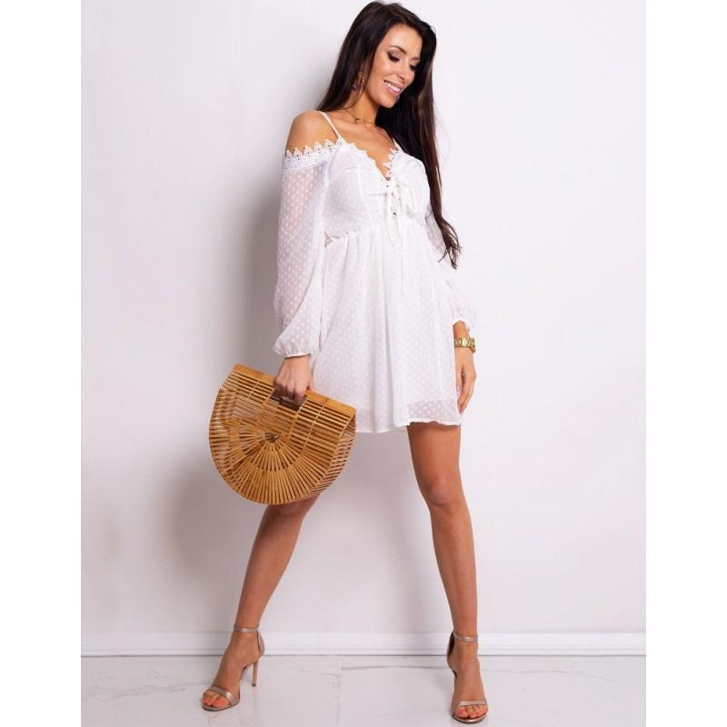 c372678b7716 Zvodné letné dámske šaty biele s odhalenými ramenami