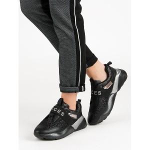 Letné čierne topánky bez viazania