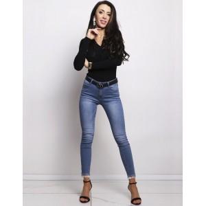 Dámske moderné džínsy v modrej farbe úzke