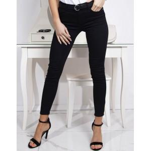 Klasické čierne dámske slim jeans na voľný deň