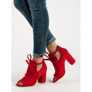 Luxusné dámske červené sandále na opätku a originálnym dizajnom