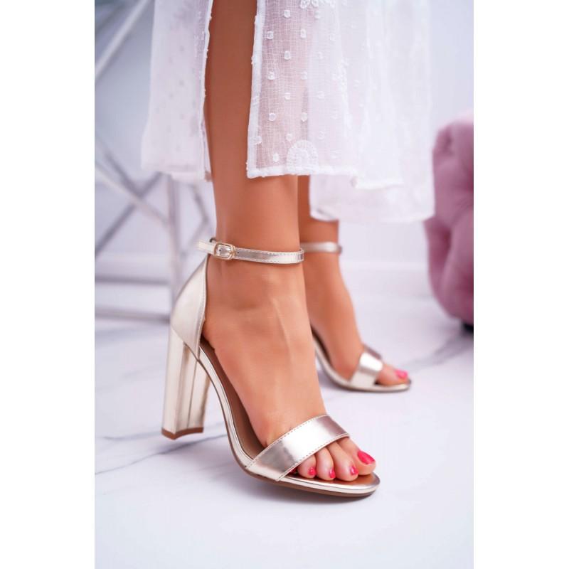 bb0ea8ad3269 Spoločenské dámske zlaté sandále na vysokom plnom opätku