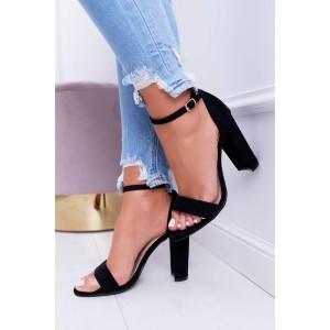 Čierne dámske semišové sandále na opätku a jemným remienkom