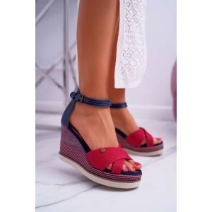 Dámske červené sandále na platforme s remienkom