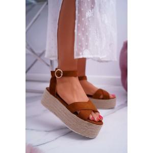 Hnedé dámske sandále na vysokej platforme