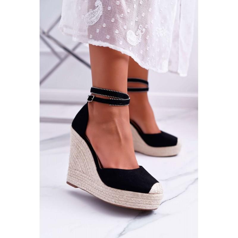 2ff995d46dc0 Čierne dámske sandále na platforme s vybijaným remienkom