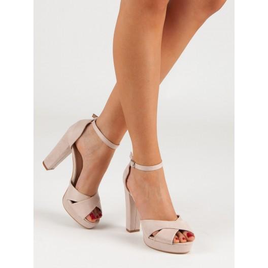 Spoločenské dámske sandále na vysokom plnom opätku a na remienok