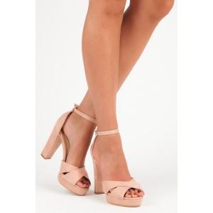 Ružovo púdrové dámske semišové sandále na módnom vysokom opätku