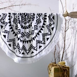 Biela okrúhla plážová osuška v aztéckom motívom
