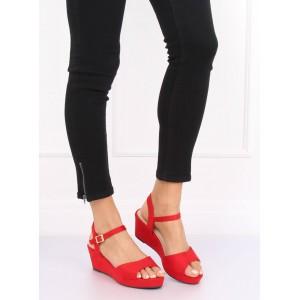 Letné dámske červené sandále na platforme s remienkom okolo nohy