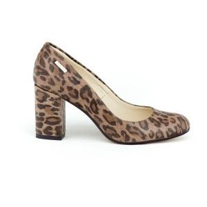 Módne dámske kožené lodičky na opätku s trendy leopardím vzorom