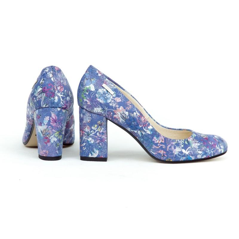 5e2e8c6b47 Nádherné modré dámske kožené lodičky s potlačou kvetov