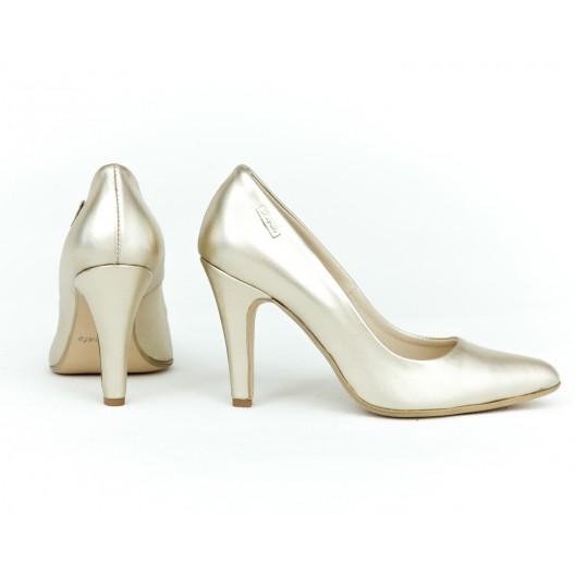 Elegantné dámske kožené lodičky v zlatej farbe na vysokom úzkom opätku