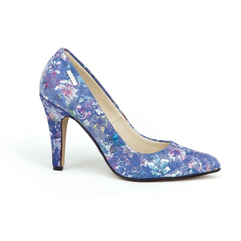 dbe34bad67f9 Elegantné dámske kožené lodičky v modrej farbe s potlačou kvetov
