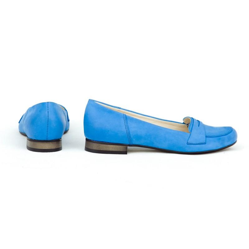 3b3a4f91af66 Dámske zafírtovo modré kožené balerínky na nízkom opätku