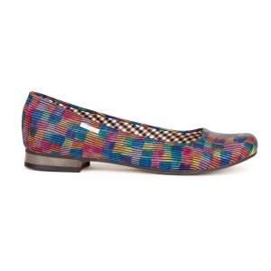 Trendy dámske kožené balerínky s farebným kockovaným motívom