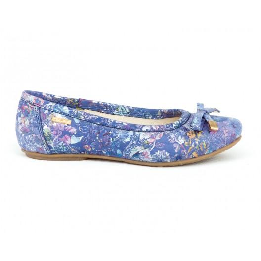Krásne dámske modré kožené balerínys kvetmi a mašličkou