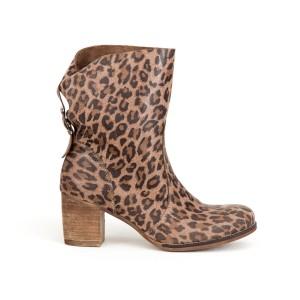 Dámske kožené leopardie topánky na módnom opätku a zadnou prackou