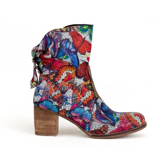 Štýlové dámske kožené topánky na opätku s mozaikovým vzorom motýľov