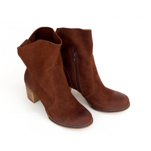 Hnedé dámske kožené topánky s bočným zipsom a prackou