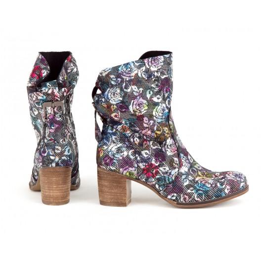 Štýlové dámske kožené čierne topánky na bočný zips s motívom kvetov
