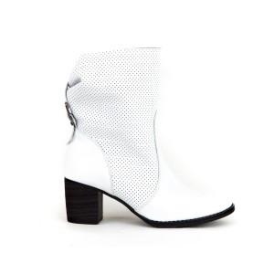 Dámske kožené biele jarné topánky dierkované na opätku