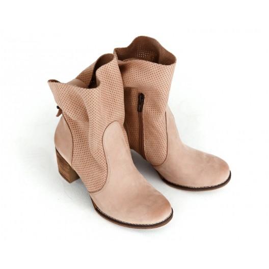 Originálne dámske kožené kotníkové topánky v ružovej farbe