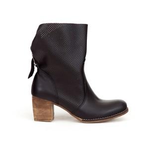 Luxusné dámske čierne kožené členkové topánky kovbojky s prackou