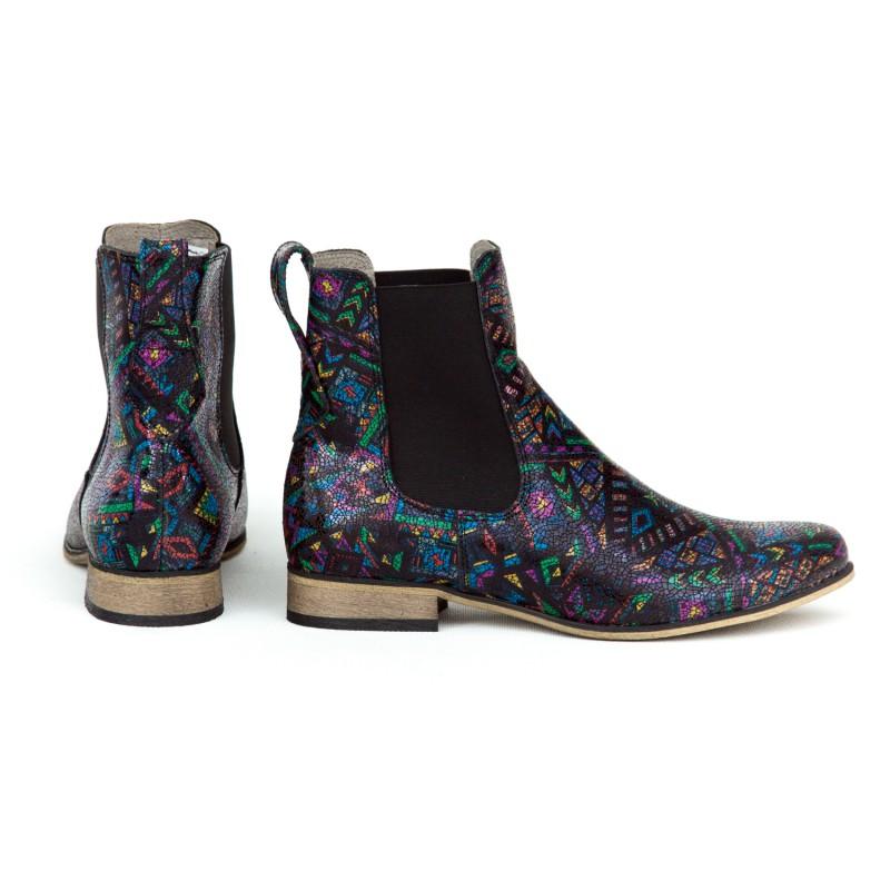 12b95d6eab Originálne dámske členkové kožené topánky s indiánskym vzorom