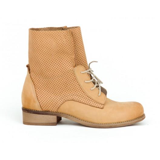 Dámske kožené topánky v pieskovej farbe s originálnym dizajnom