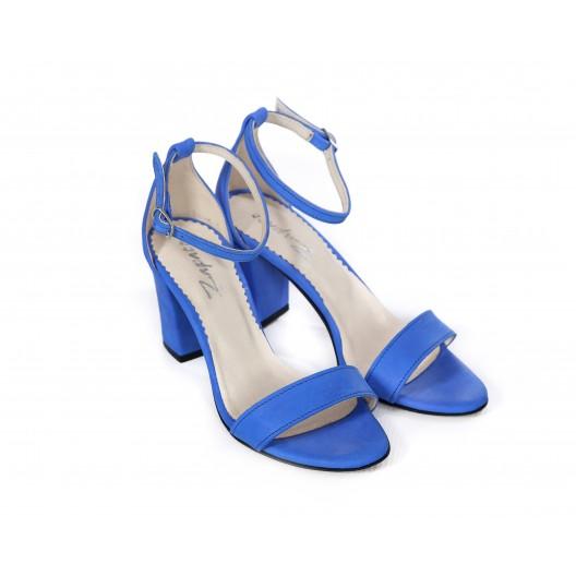 Elegantné dámske kožené sandále zafírovo modré na plnom opätku