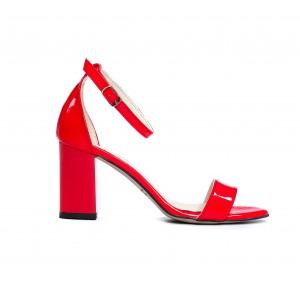 Spoločenské dámske kožené lakované červené sandále na opätku