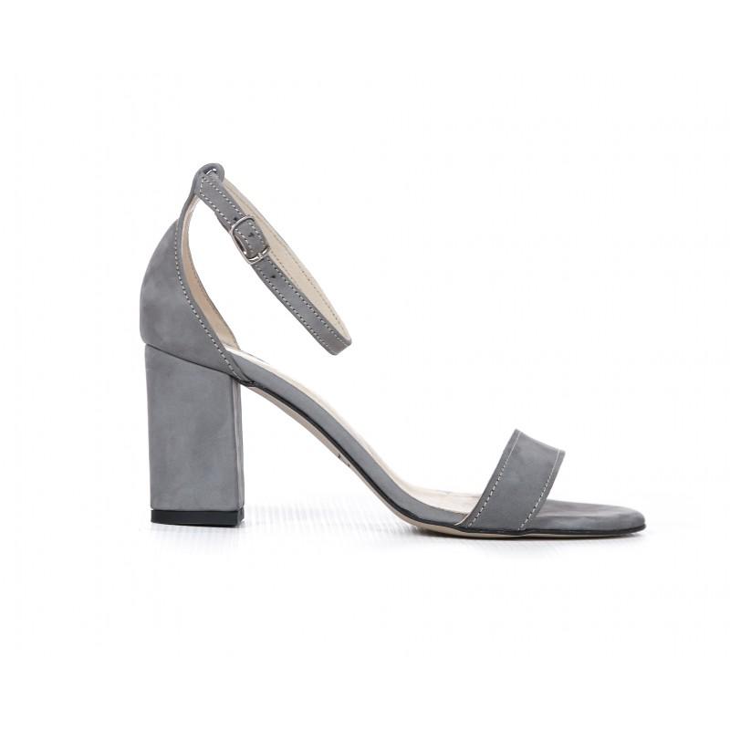 deb0046c28 Elegantné dámske kožené sandále v sivej farbe na plnom opätku
