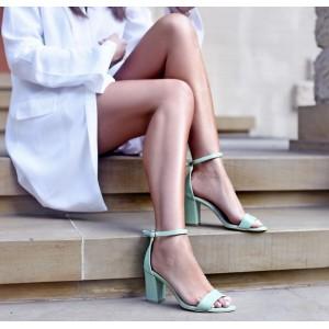 Štýlové dámske kožené sandále v zelenej farbe s plným opätkom