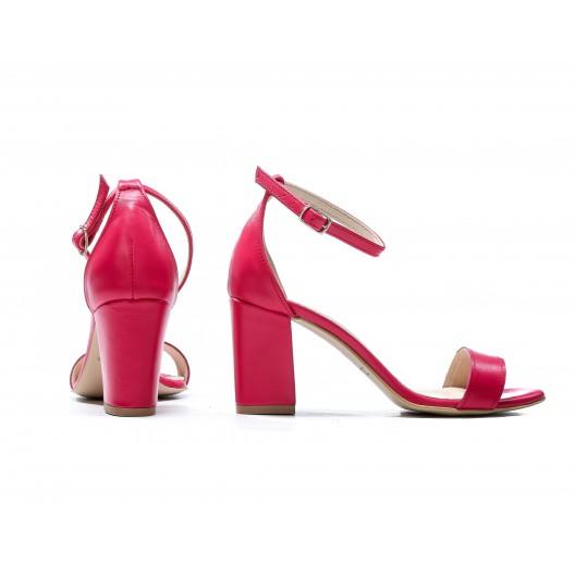 Cyklamenovo ružové dámské letné kožené sandále s remienkom