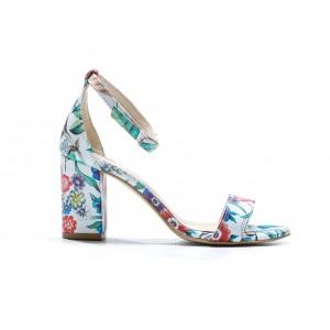 Letné dámske kožené sandále biele s kvetinovým motívom a na opätku