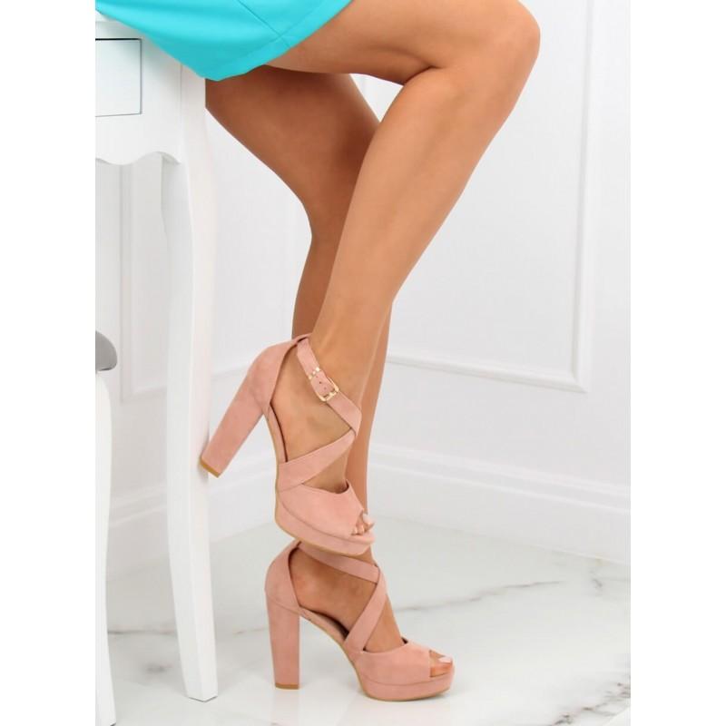 b461b09e681a Dámske ružové semišové sandále s prekrížením a na vysokom opätku