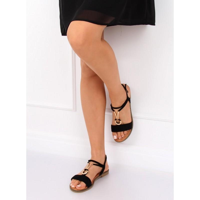 412007c5c6a2 Čierne semišové sandále nízke s ozdobnou zlatou prackou