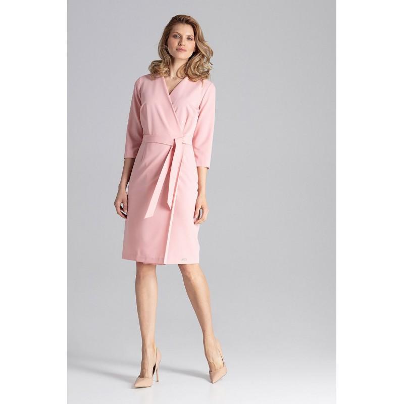 97dd3833a821 Štýlové dámske šaty ružové s V výstrihom a opaskom v oblasti pása