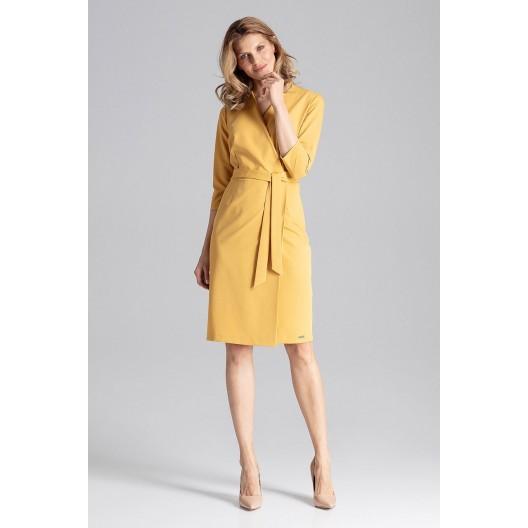Originálne dámske žlté šaty rovného obálkového strihu a opaskom