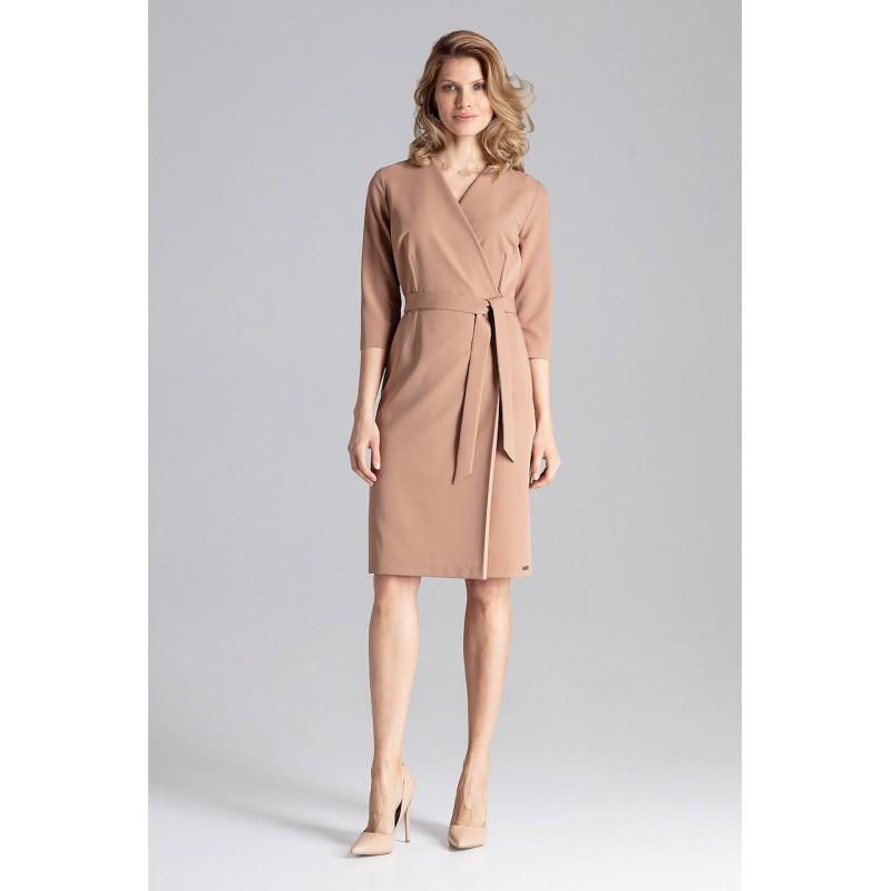75309f4d837a Svetlo hnedé dámske šaty módneho strihu s V výstrihom a opaskom