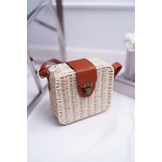 Pletená kabelka zo slamy s koženým remienkom na plece