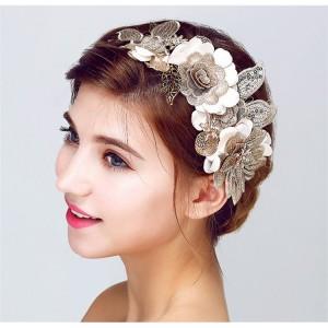 Svadobná korunka s motívom kvetov do vlasov