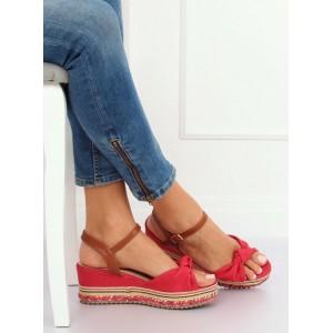Červené dámske sandále na platforme s viazaním okolo nohy