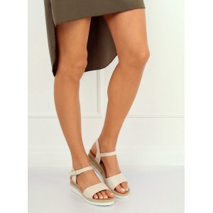 Dámske béžové sandále s leskom na nízkej platforme s pletencom
