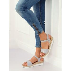 Štýlové dámske sivo strieborné sandále s remienkom a na nízkej platforme