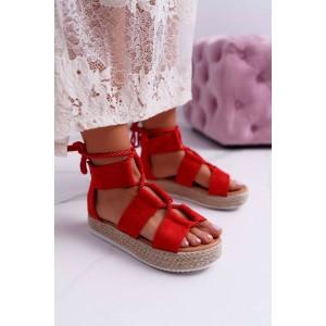 Originálne dámske červené sandále na platforme s designovým viazaním